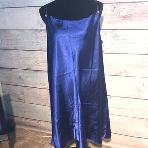 2X AVON intimates spaghetti strap night gown